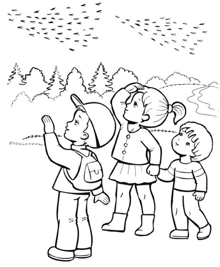 Раскраска дети осенью